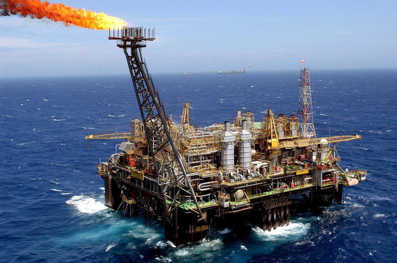 Petróleo Segue Em Alta Em Meio A Tensões No Iraque Com Curdos