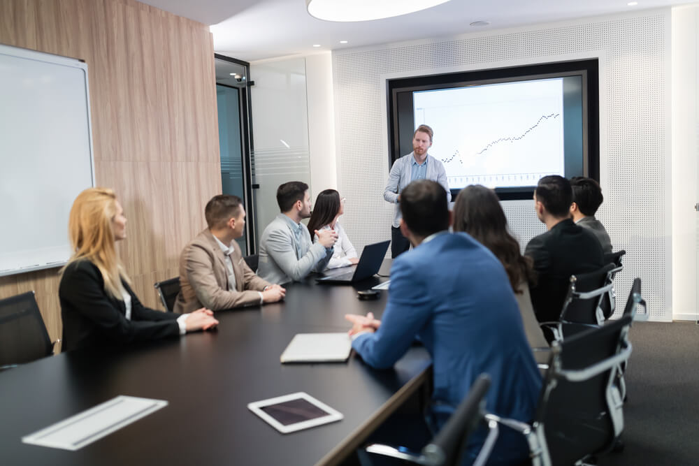 Reunião Pós Pandemia Para Discutir Medidas De Crescimento Da Empresa